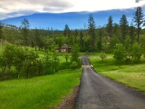 Little Elk Cabin & Cottage image